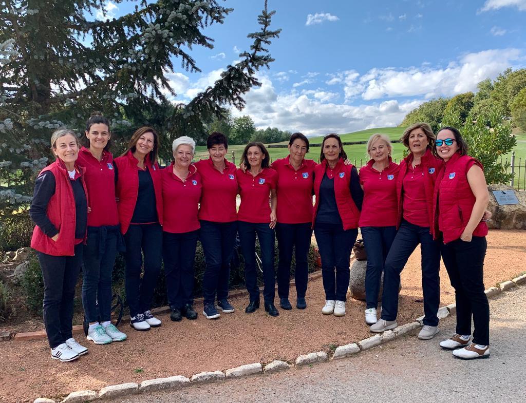 El equipo Femenino de Zuia ganador del Triangular de Álava 2019